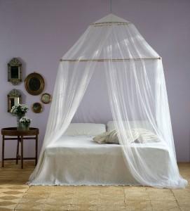 cama com tela mosquiteiro