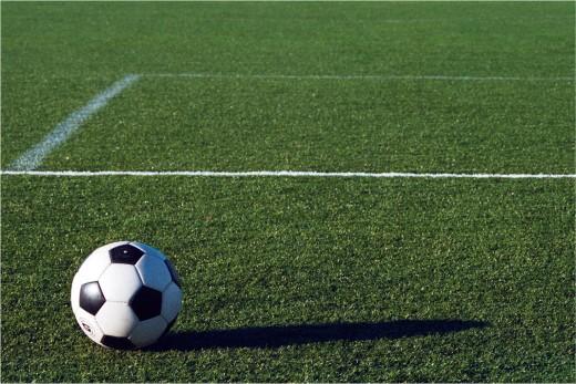 Futebol society e grama sintética